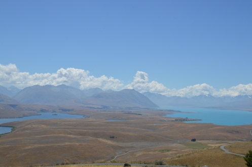 See the difference in colours of the two lakes? Guess which one is Lake Tekapo?